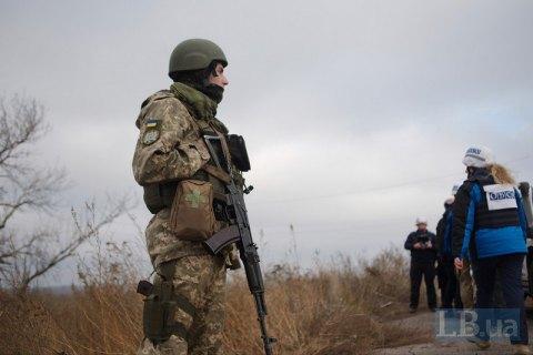 За добу на Донбасі відбулося 10 обстрілів, у тому числі в районі розведення військ