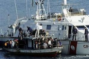 До Италии добралось судно со 160 гражданами Сирии
