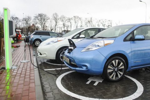 Продажи электрокаров в Украине за год увеличились в 2,3 раза