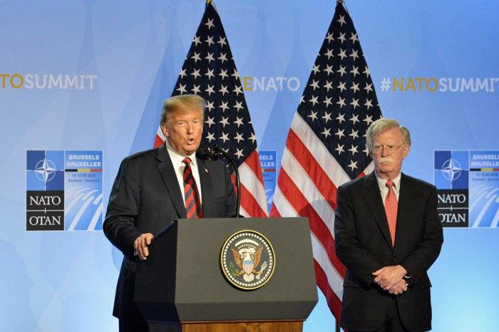 Президент США Дональд Трамп и Советник по национальной безопасности США Джон Болтон