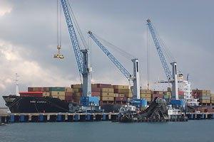 Судно, імовірно, з вантажем зброї для Сирії пришвартувалося в турецькому порту