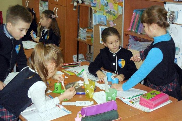 Урок у початкових класах в Кіровоградській ЗОШ №25