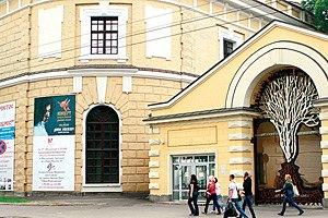 В Киеве прочитал лекцию куратор и арт-критик Саймон Шейх