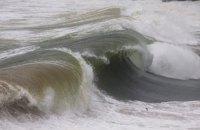 На Черном и Азовском морях в воскресенье ожидается шторм