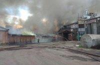 В Нежине возник пожар на жиркомбинате