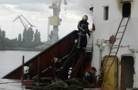 На верфи в Херсоне горело судно (обновлено)