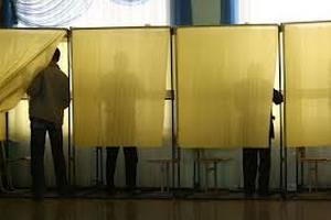 """""""Свобода"""": в столице задерживают открытие избирательных участков"""