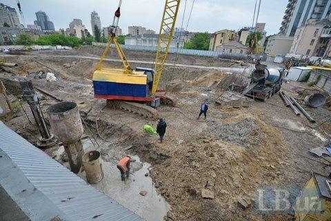 """Киевская полиция возбудила дело об отчуждении земучастка под """"Сенным рынком"""""""