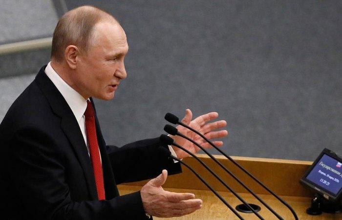 Путин выступает на заседании Государственной Думы, 10 марта