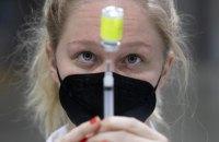 У неділю в Україні зробили менш ніж 42 тисячі щеплень від ковіду