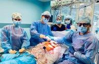 В Україні вперше трансплантували легені дорослому та серце дитині