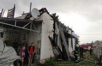 В Житомирской области из-за удара молнии сгорел дом