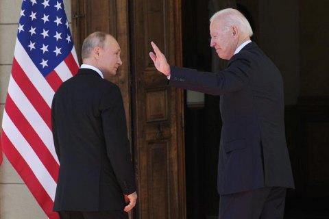 Байден пригрозив Путіну розібратися з російськими хакерами, якщо Росія не зробить це сама