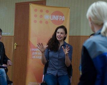 Голлівудська актриса Ешлі Джадд відвідала Донбас (додано фото)