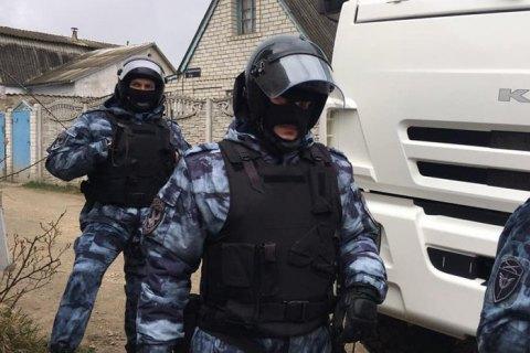 Російські силовики провели обшук у будинку кримського татарина