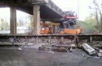"""""""Укрзалізниця"""" запевняє, що міст у Лозовій не перебудовують"""