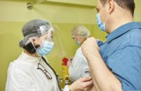 У черзі на вакцинацію в Україні – понад 247 тис. осіб