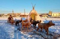 Житель Якутии вылепил из навоза символ 2018 года