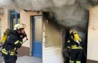 У Києві через пожежу з гімназії евакуювали 1500 дітей
