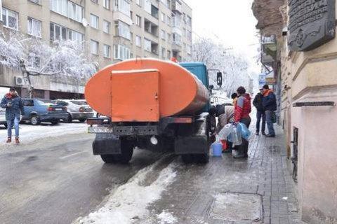 Из-за аварии на водопроводе во Львове 50 тыс. жителей остались без воды (обновлено)