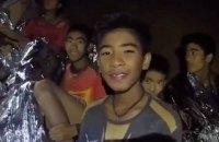 Із затопленої печери в Таїланді врятували всіх дітей і тренера
