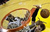 """""""Голден Стейт"""" розбив """"Хітс"""" у 100-му домашньому поєдинку в НБА"""