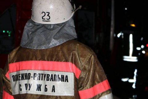 Уночі в Києві сталася пожежа в житловій 9-поверхівці