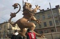 Во Львове установили бронзового льва с герба ЗУНР