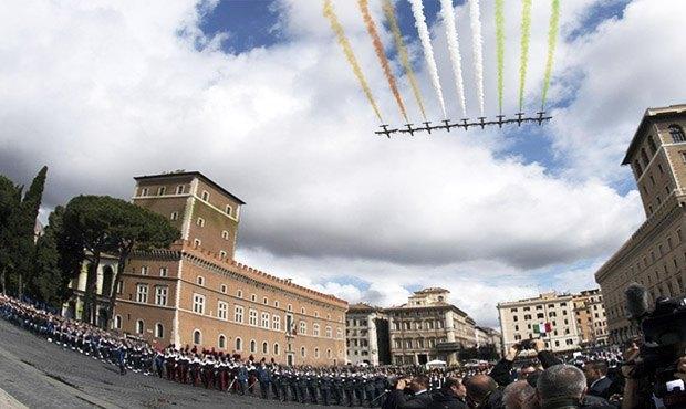 Итальянцы празднуют День Республики, Риме, 02 июня 2016.
