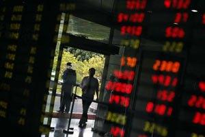Межбанк открылся существенным падением евро