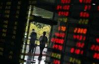 Євро продовжив падіння на міжбанку