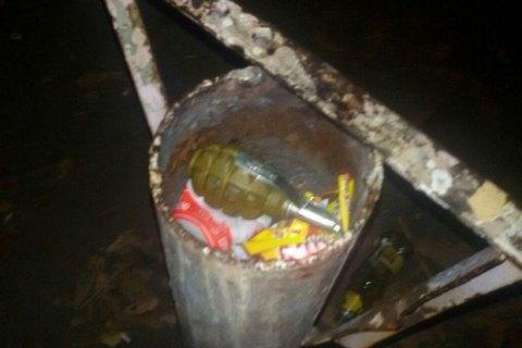 В Киеве мужчина с гранатой угрожал взорвать магазин