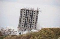 """Севастопольская """"пизанская башня"""" будет стоять до утра субботы"""