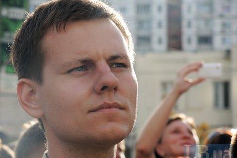Депутат Київради отримав цеглиною по голові на незаконній забудові