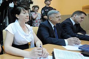 В суде зачитывают обвинительное заключение по делу Тимошенко