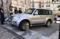 П'яний чоловік у Києві викрав авто іноземного посла і потрапив на ньому в ДТП