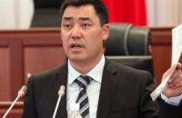 У Киргизстані пацієнтів з COVID лікують небезпечною настоянкою за рецептом президента