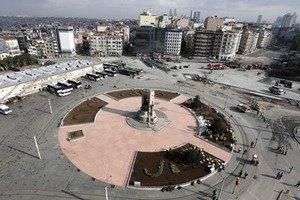 Турецкий суд запретил застройку площади Таксим