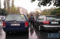 Більш як половина автомобілів з іноземною реєстрацією перебуває в Україні незаконно, - ДФС