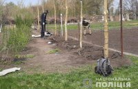 Мешканка Харківської області зачепила сапкою вибуховий пристрій на своєму городі