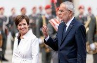 Президент Австрії порушив карантинні обмеження в одному з ресторанів