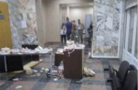 """Полиция начала расследовать беспорядки в здании НАБУ по статье """"хулиганство"""""""