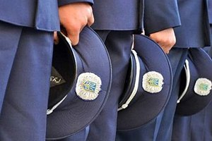 В Раде предлагают уменьшить количество родственников в милиции и судах