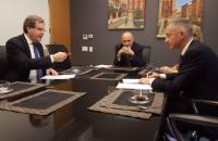 Ложкин подписал договор с Американским еврейским комитетом