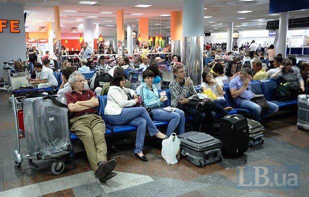 Многие ищут выход из ситуации в аэропорту Борисполь