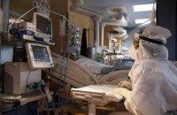 В Україні за добу госпіталізували майже тисячу хворих на коронавірус