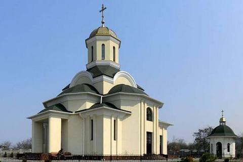 В Запорожье задержали трех человек за попытку поджечь церковь