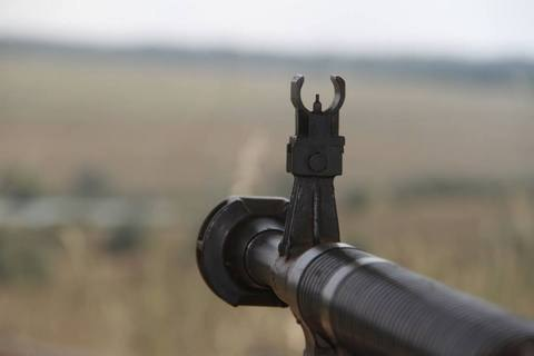 Один военный ранен за сутки на Донбассе
