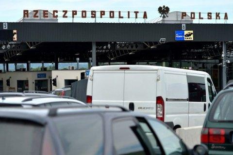 Українець перейшов кордон із Польщею задом наперед, щоб заплутати сліди