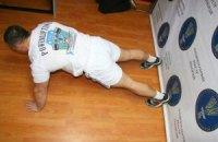 Офіцер Нацгвардії встановив рекорд України з віджимання